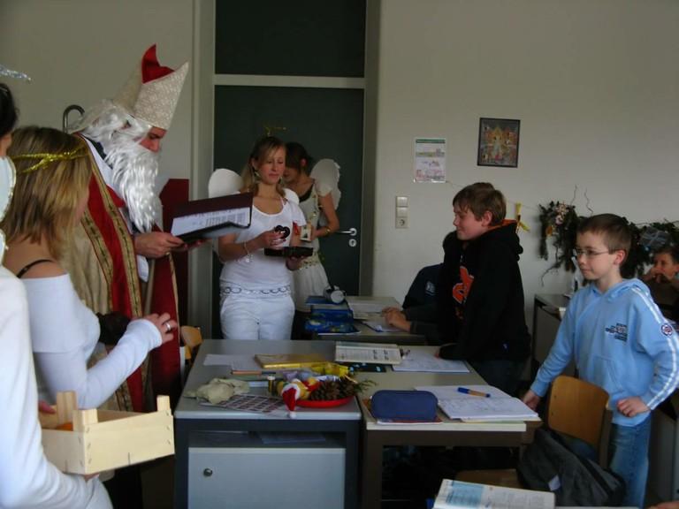 Über jedes Kind steht was im goldenen Buch vom Nikolaus! - big