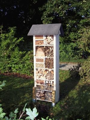 das insektenhotel am ikg ikg landsberg. Black Bedroom Furniture Sets. Home Design Ideas